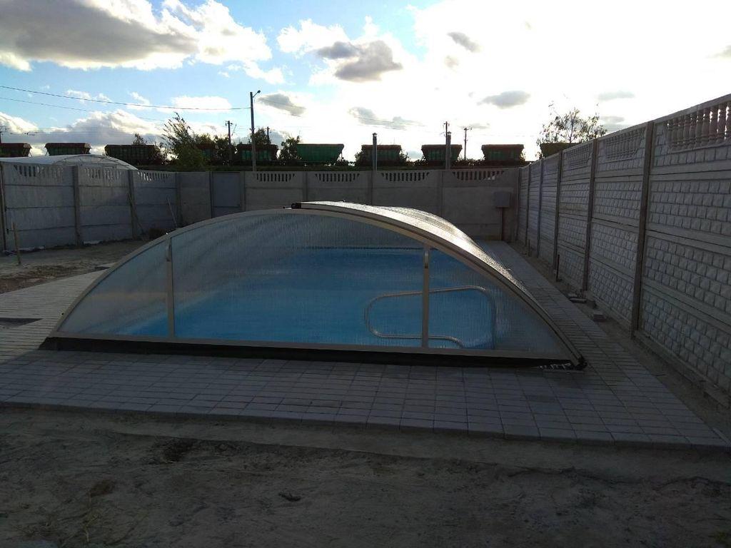 Консервация бассейна на зиму проводится осенью - это подходящее время для подготовки бассейна к зиме.